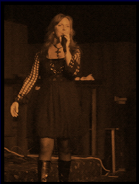 Janine performing at Joyland, Jan '09